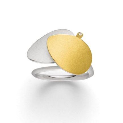 Ring mit Blättern in Gelbgold und Silber