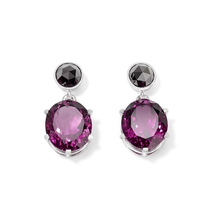 Ohrhänger mit 2 ovalen Rubellti und zwei schwarzen Diamanten im Rosenschliff