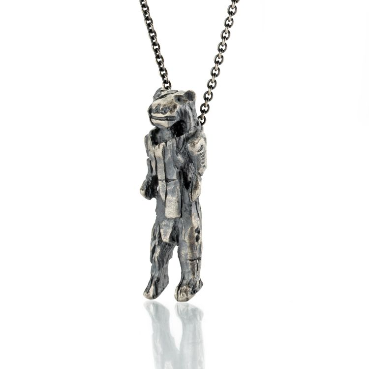 Eiszeitkunst Fund Löwenmensch als Anhänger in geschwärztem Silber an einer Kette